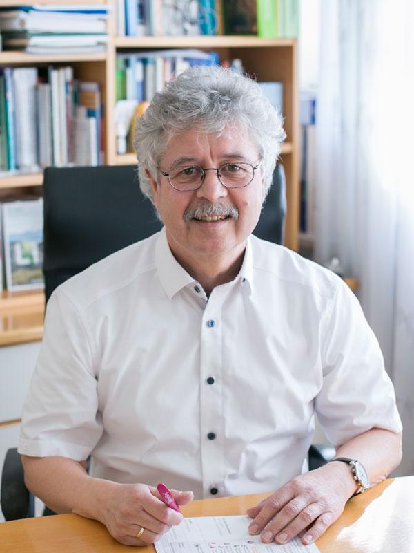 Dr. med Günther Hay